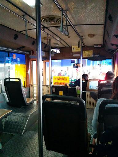 市内バスの中