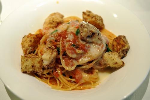 Pasta:揚げた長芋とトマトのスパゲッティーニ
