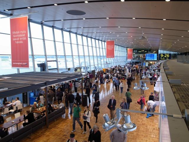 """""""ヘルシンキ空港は無料Wi-Fiが飛んでいる</p"""