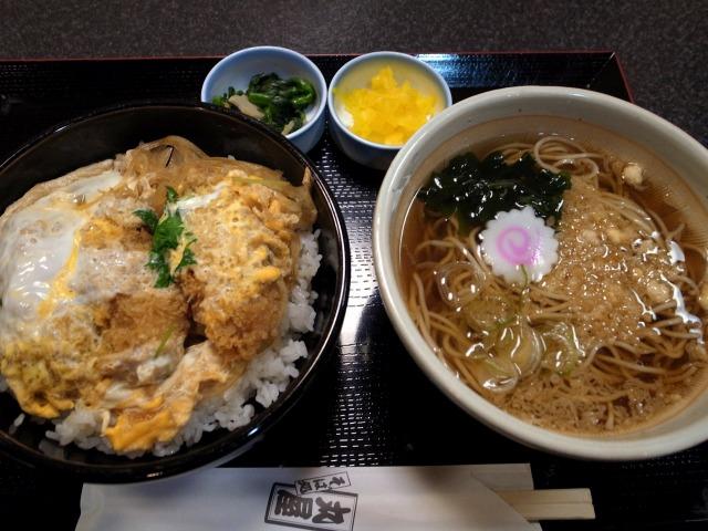 """""""牡蠣フライ丼@そば処"""