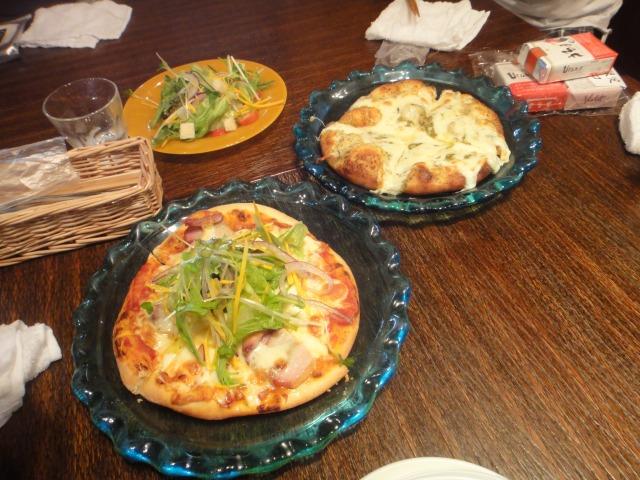 自家製スモークピザ・フーチバービザ・アグーの生ハムピザ@fuu cafe