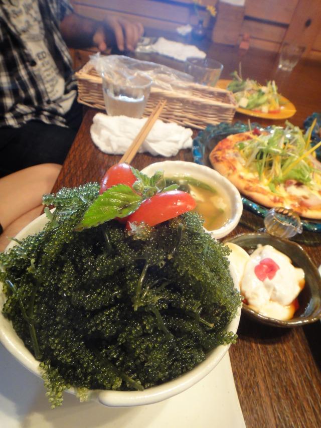 海ぶどうとアグー丼仕立て@fuu cafe