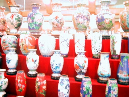 たくさんの壺